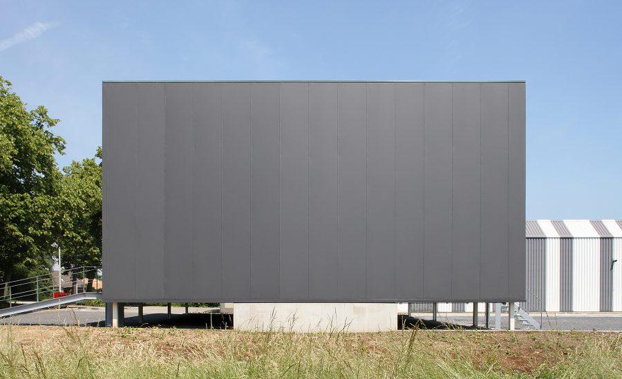 Compact bedrijfsgebouw