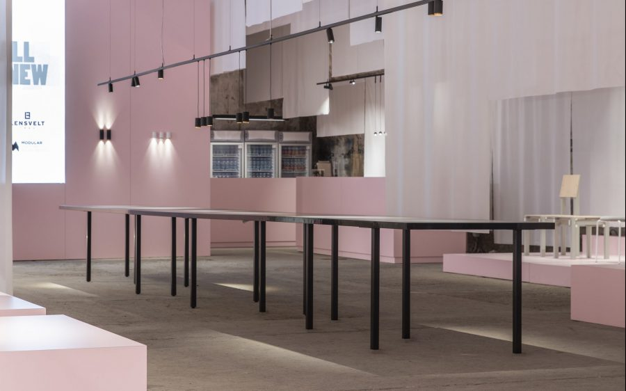 "B brand: Lancering Table ""FIVE"" @ Salone del Mobile"
