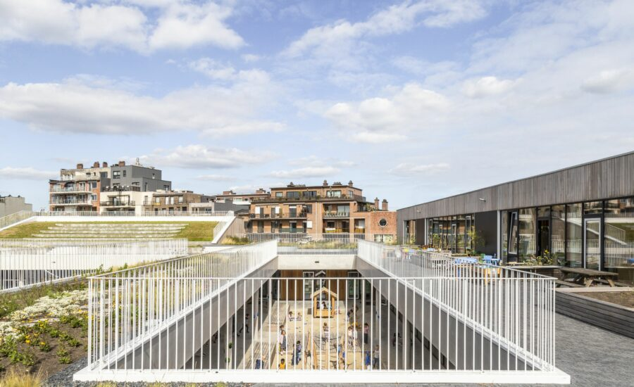"""""""Park School"""" = nominee  ArchDaily 2021"""