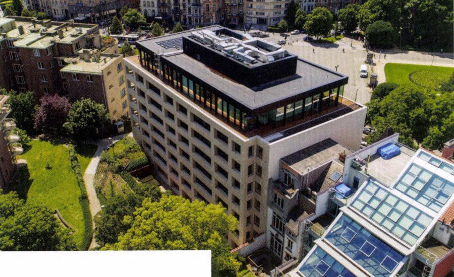 'Passieve kantoren Loyens & Loeff' in La Cronique